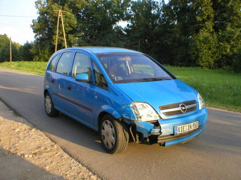 Transport uszkodzonego samochodu do Polski